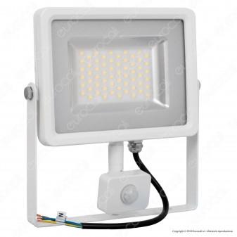 V-Tac VT-4830 PIR Faretto LED 30W Ultra Sottile Slim con Sensore Colore Bianco - SKU  5752 / 5751