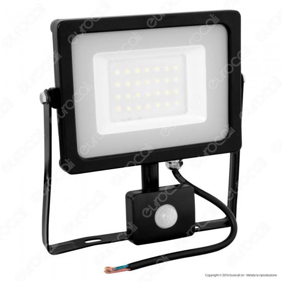 V-Tac VT-4933 Faretto LED 30W Ultra Sottile Slim con Sensore Colore Nero - SKU 5820