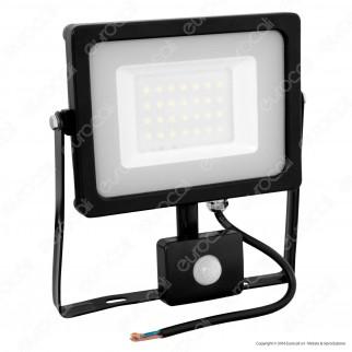 V-Tac VT-4830 PIR Faretto LED 30W Ultra Sottile Slim con Sensore Colore Nero - SKU  5699 / 5700 / 5716