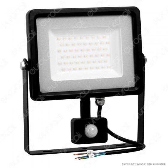 V-Tac VT-4850 PIR Faretto LED 50W Ultra Sottile Slim con Sensore Colore Nero - SKU 5701 / 5702 / 5717