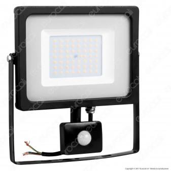 V-Tac VT-4955 PIR Faretto LED 50W Ultra Sottile Slim con Sensore Colore Nero - SKU 5837