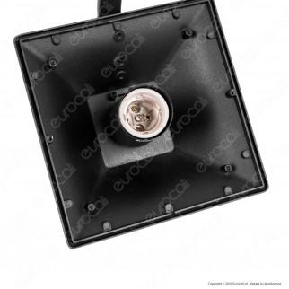 V-Tac VT-847 Lampione Portalampada Nero per 2 Lampadine E27 da Giardino 2320mm con Fissaggio a Terra - SKU 8688