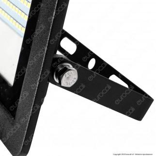 Sure Energy Faretto LED 50W IP65 Sottile Slim con Sensore di Movimento e Crepuscolare Nero - mod. T218