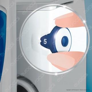 Oral-B Center Kit Spazzolino Elettrico Smart 5000 e Idropulsore Oxyjet
