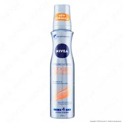 Nivea Styling Mousse Flexible Curls&Care Spray Modellante per Capelli Ricci Definiti - Flacone da 150ml