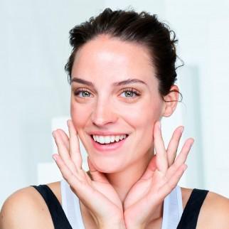 Garnier SkinActive Maschera Contorno Occhi Anti-Fatica con Succo d'Arancia e Acido Ialuronico - 1 Applicazione