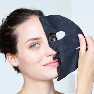 Garnier SkinActive Maschera Nera in Tessuto Pure Charcoal Effetto Matte Monouso