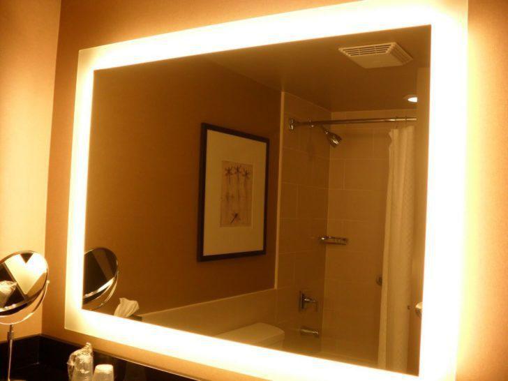 Come illuminare correttamente uno specchio da bagno