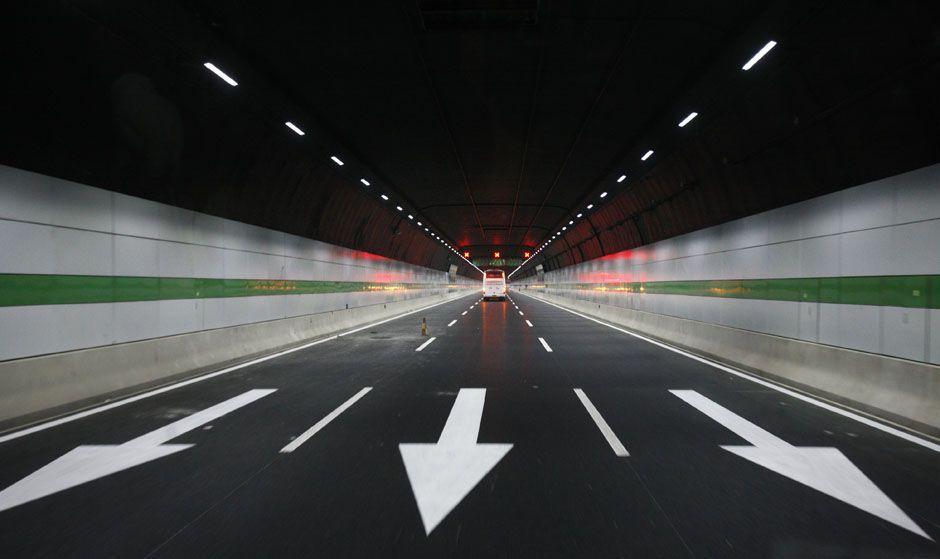 Tunnel Qingdao Led