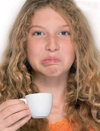 Bere caffe amaro