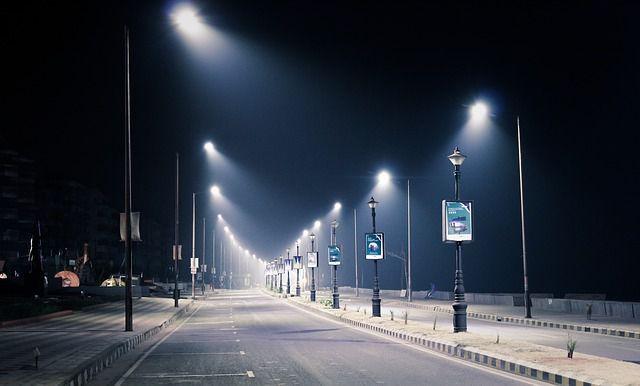 Plafoniere Per Lampioni Stradali : Norvegia ecco i lampioni led che si attivano al passaggio