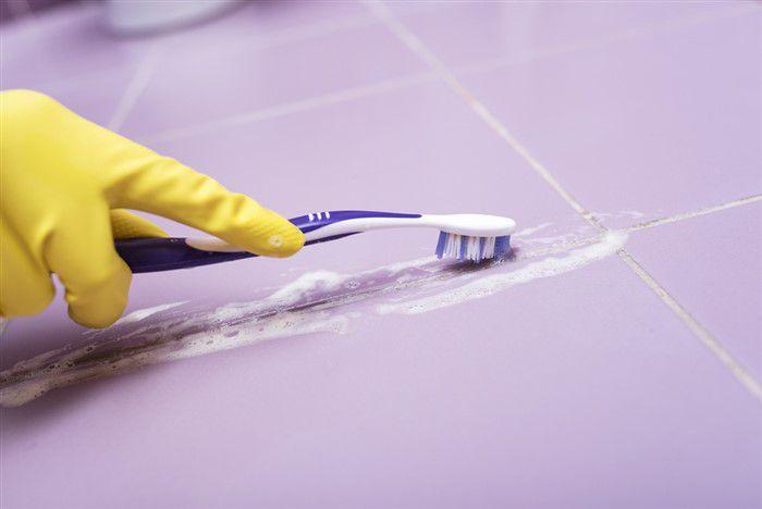 Ecco come pulire le fughe delle piastrelle con il bicarbonato - Pulire fughe piastrelle ...