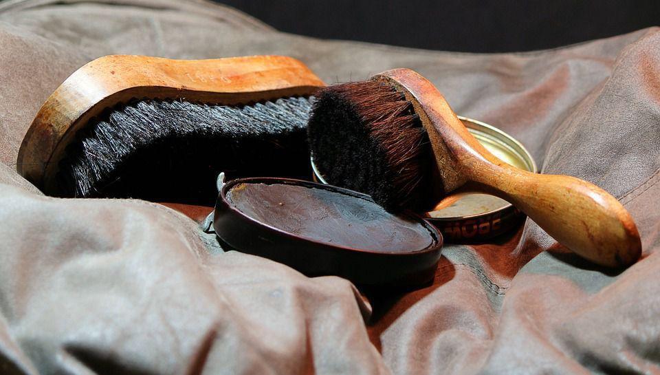 pulizia scarpe di pelle